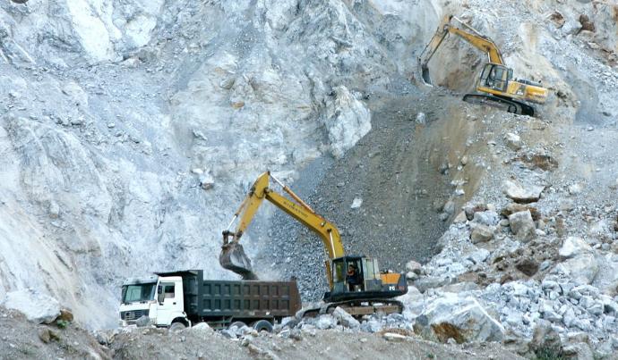 quản lý kinh doanh cát, than, đá