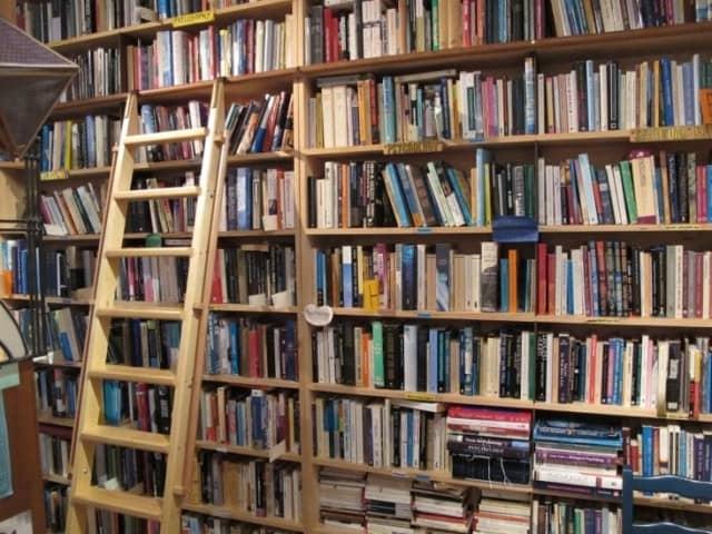 Kinh doanh cửa hàng mua bán thanh lý sách cũ đơn giản